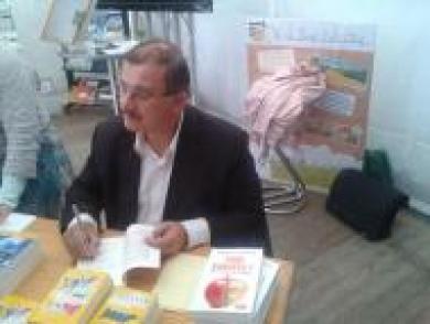 Le professeur Séralini au Salon Ille et Bio en octobre 2012